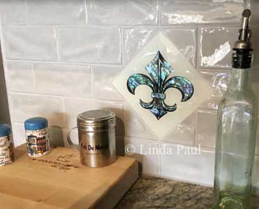 fleurd de lis glass tile