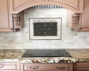 ravenna plaque kitchen backsplash idea