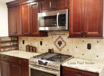 tuscan kitchen with grapes medallion